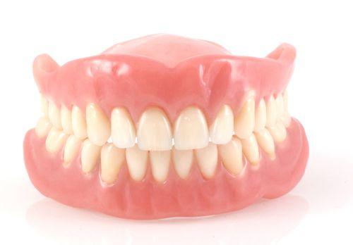 trồng lại răng bị mất 3