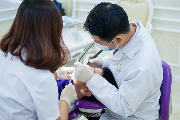 trồng răng giả có ảnh hưởng gì không 5