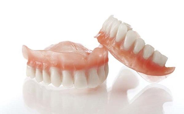 trồng răng giả tháo lắp 3