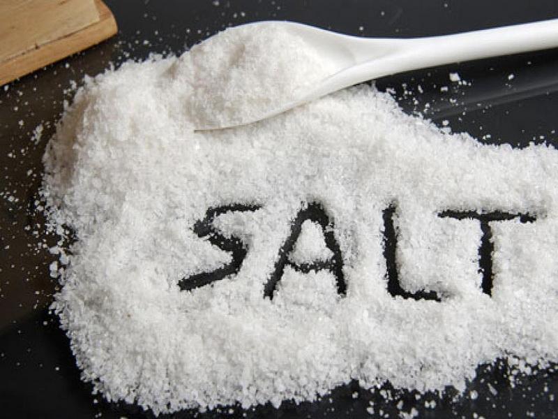 trị nhiệt miệng bằng muối